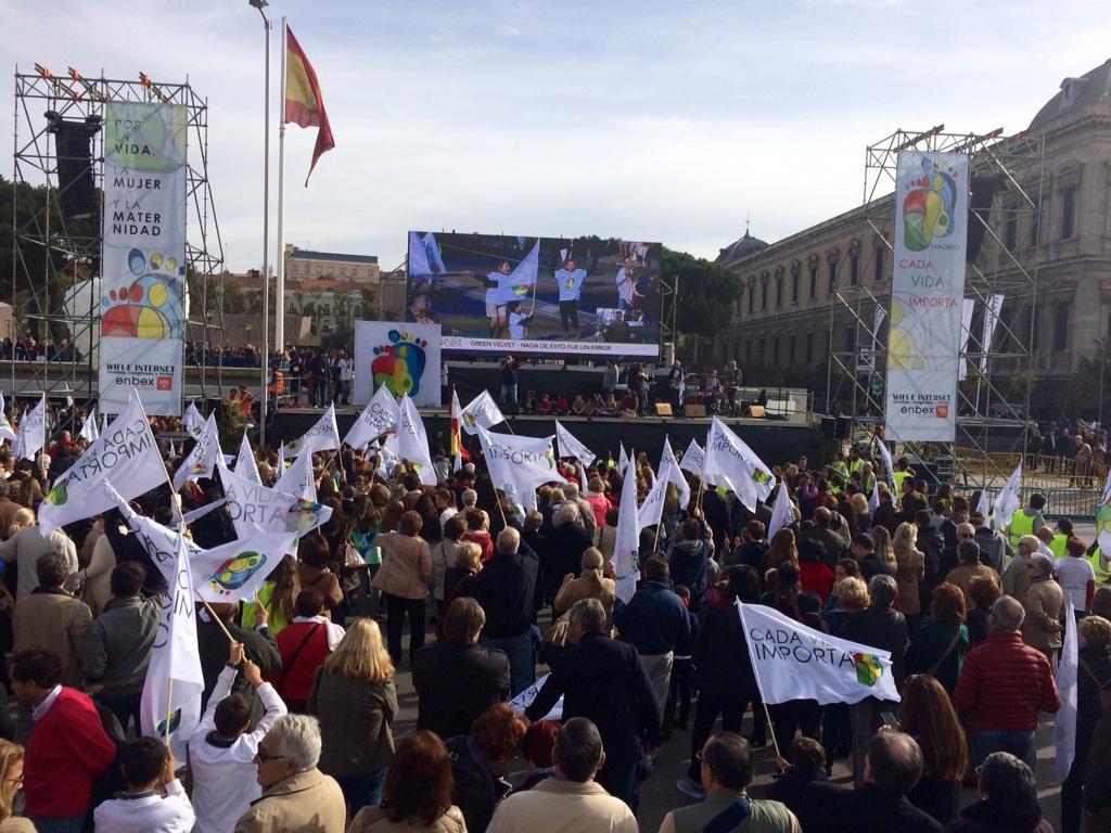 Vista del escenario en Plaza de Colón